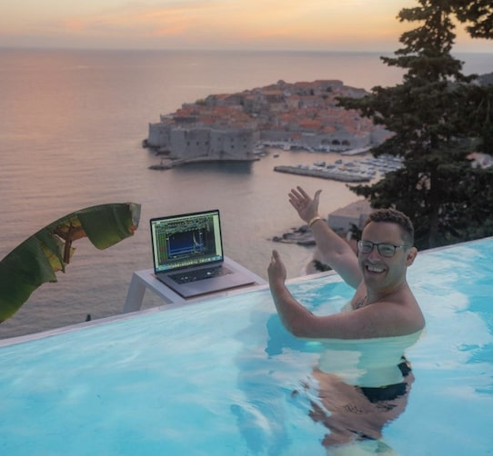 Tim Sykes Travel Addict